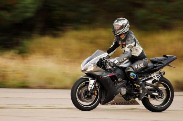 Справку на мотоциклистам выдают на год или два