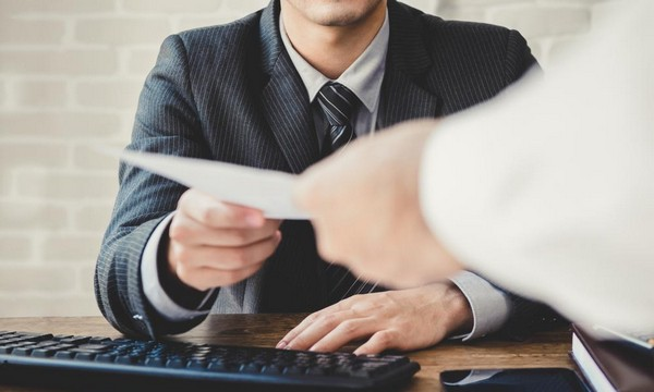 Если сотрудник предоставил подделанный бюллетень, его ждут наказания