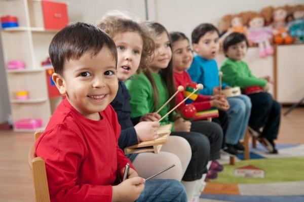 Разрешено использовать средства для оплаты услуг детского сада, няни