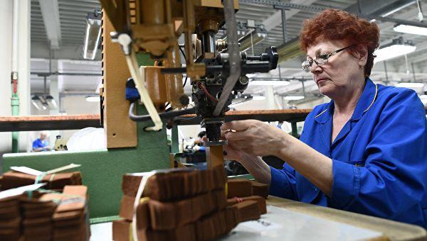 Работающие пенсионеры также имеют право на пенсию, просто размер ее несколько ниже