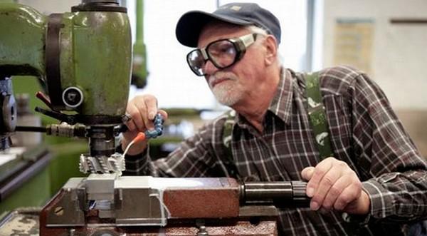 Пенсионер может уволиться в любое удобное время