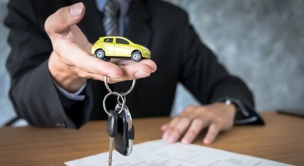 После выбора автомобиля банк рассчитывает автокредит