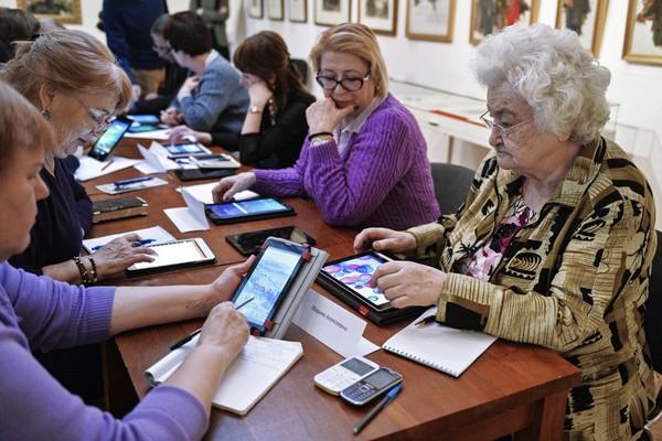 С 2016 года пенсии работающих пенсионеров не индексируются