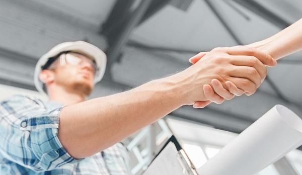 По правилам этой программы можно претендовать на жилье на первичном и вторичном рынке, а также на приобретение или возведение частного жилого строения