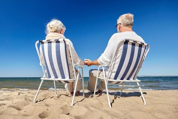 Пенсионеры, инвалиды имеют право на получение внеочередного неоплачиваемого отпуска в удобное для них время