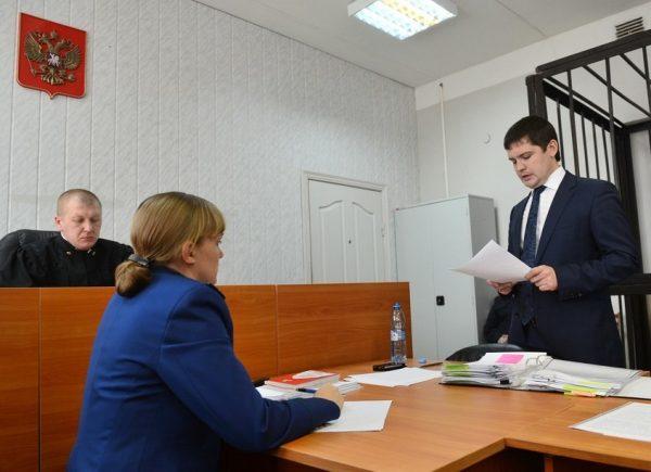 Адвокат отстаивает право гражданина на пенсию в суде