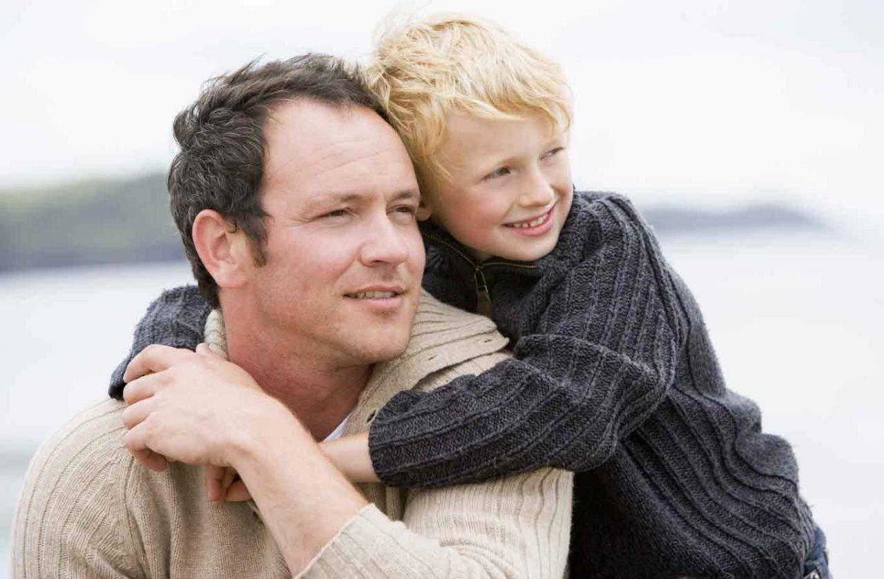 Для того, чтобы отец смог прописать ребенка, ему потребуются юридические доказательства родства
