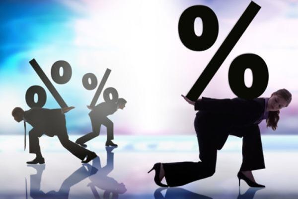 Лучше написать 2 заявления, чтобы избежать уплаты процентов по кредиту за ненадлежащий товар