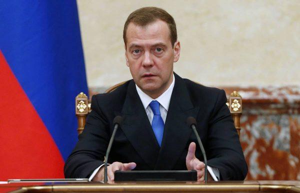 Медведев говорит об индексации пенсий