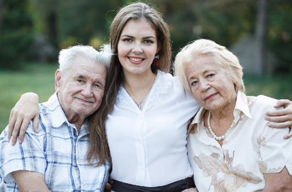 Пожилые родители усопшего могут претендовать на получение пособия