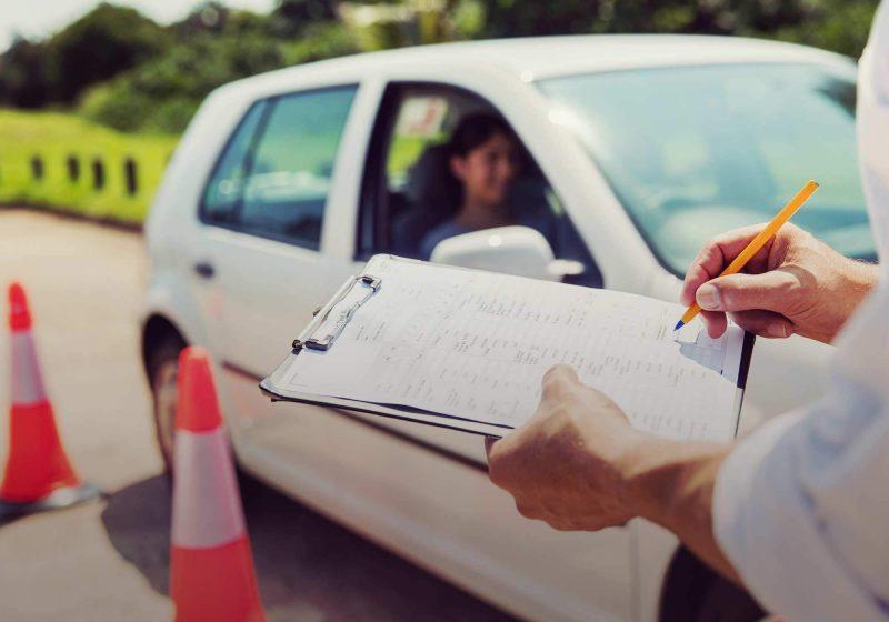 При замене водительских прав повторная сдача экзамена на вождение не требуется