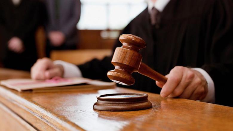 Судимость является одной из веский причин прекращения лицензии на оружие