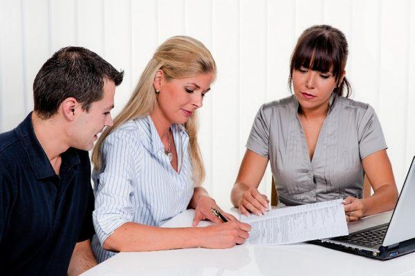 Супруги заключают соглашение на выплату алиментов и о разделе имущества