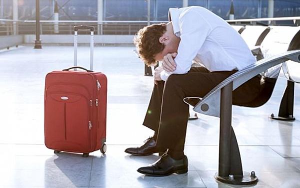 Представьте: вы готовы лететь в отпуск, а в аэропорту специалисты пограничной службы приняли решение вас не пропускать. Виной тому, скорее всего, является задолженность, которую вы давно должны были уплатить
