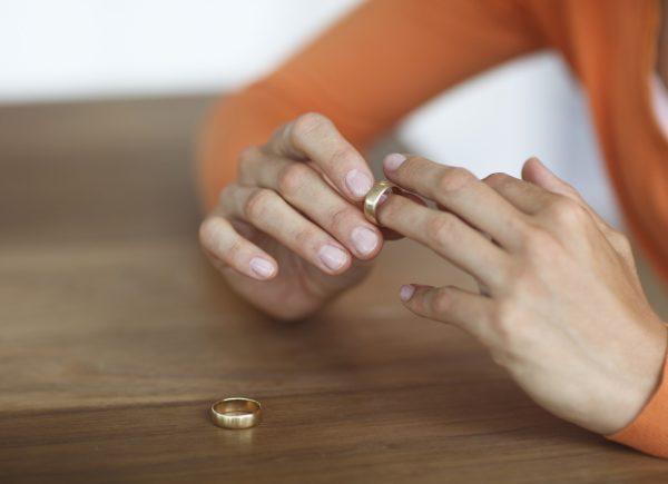 Документы о получении алиментов подаются на этапе развода