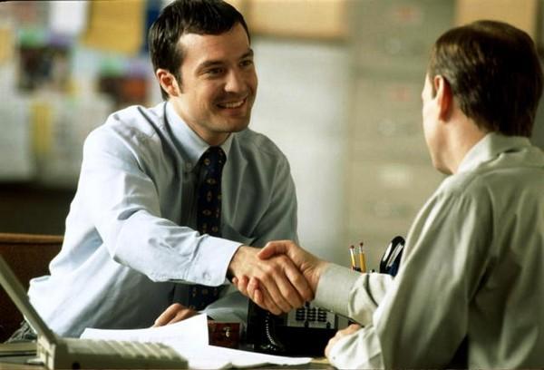 Нужно согласовать с работодателем уход в отпуск в определенные периоды