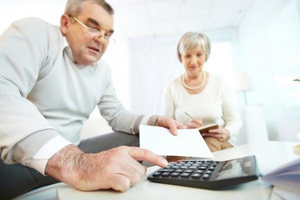 В 2019 году уйти на пенсию могут граждане в возрасте 55,5 и 60,5 лет (для женщин и мужчин соответственно)