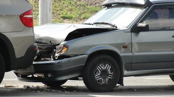 Каковы бы ни были обстоятельства аварии, если один из ее членов не имеет полиса ОСАГО, последующие действия пострадавшего лица всегда будут примерно одинаковые