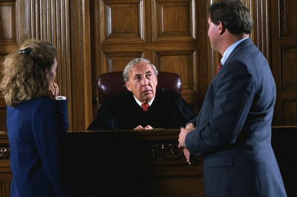 Судья принимает решение, начнется ли надзорное производство