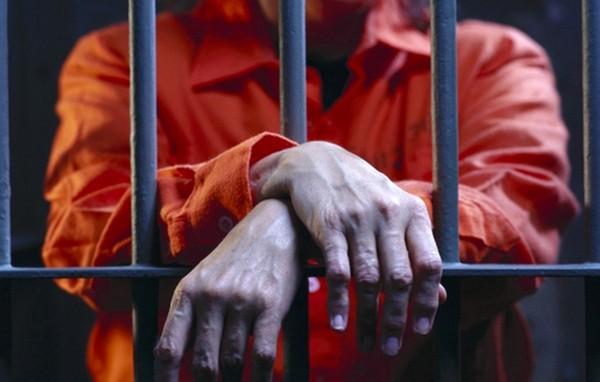 Лишением свободы наказывают за более тяжелые преступления