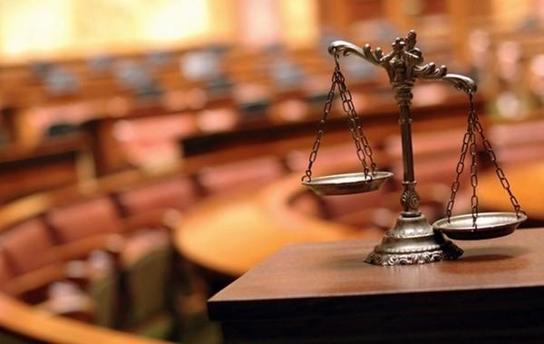 Нередко за нарушение установленных запретов гражданских служащих призывают к ответу в суде