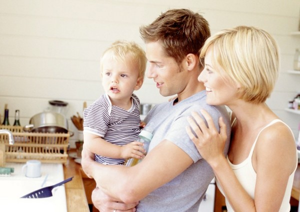 Приемные семьи имеют право и на федеральные, и на региональные выплаты