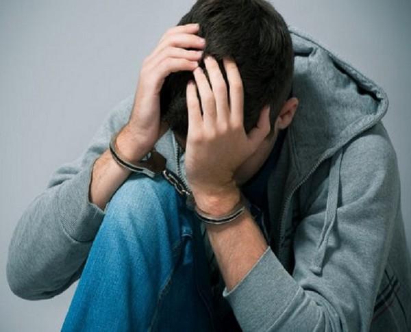 Если совершившему проступок гражданину меньше 16-ти, его нельзя привлечь к административной ответственности