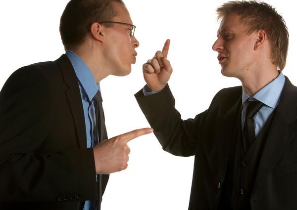 Конфликт интересов может возникнуть и в случаях, касающихся судебных разбирательств