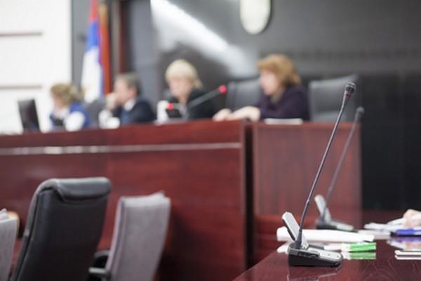 Иногда решение суда могут отменить: например, из-за нарушения прав и свобод человека и проч.