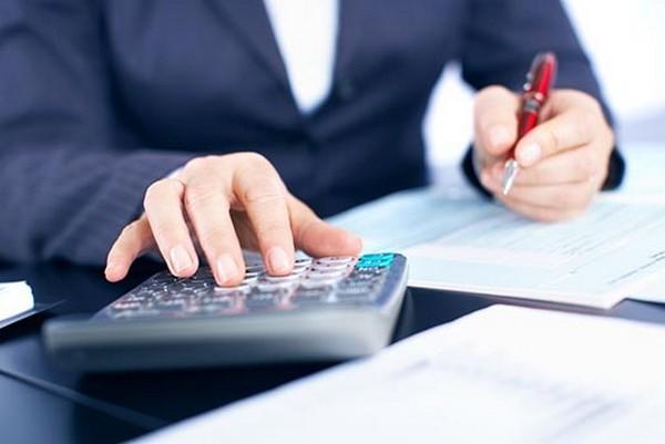 При расчете выплат учитывается фактический доход сотрудника за предыдущие два года