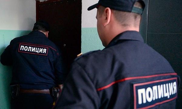 Попасть в чужое жилище могут сотрудники полиции при особых обстоятельствах