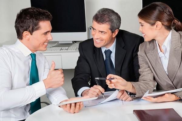 Не рекомендуется устраиваться на работу в организацию, с которой у бывшего госслужащего в рамках работы было сотрудничество