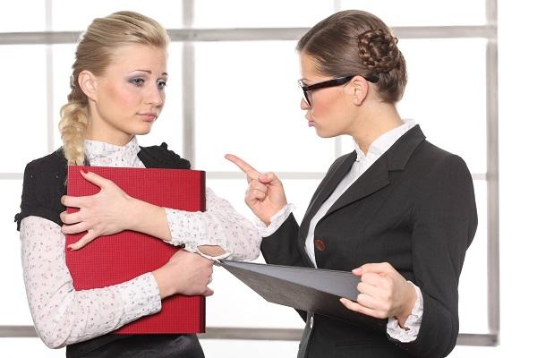 Срочный трудовой договор может быть оформлен в разных случаях