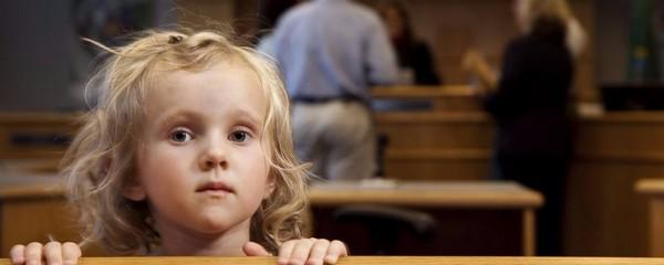 При необходимости ребенок с 14 лет может сам обратиться в суд и отстоять свое право