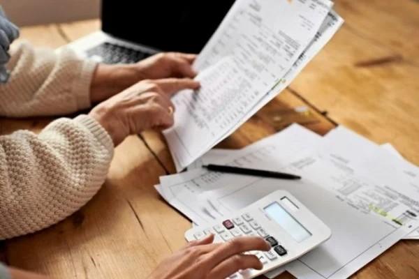 В заявлении на льготу по оплате налога на землю нужно указать кадастровый номер, срок предоставления льготы и проч.