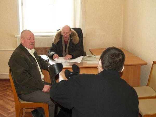 Осужденный обязан приходить на беседы с инспектором от одного до четырех раз в месяц