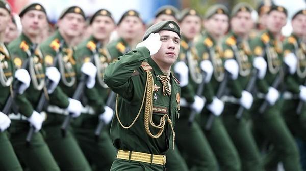 После обучения мужчины могут продолжать работать военнослужащими