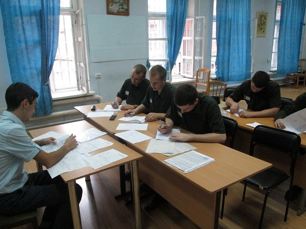 Несовершеннолетние имеют право на продолжение учебы при нахождении в ИВС