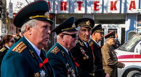 Для военного, достигшего 80 лет, пенсия повышается
