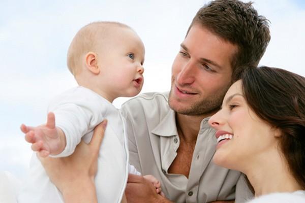 Если ребенок рожден в браке, отцовство устанавливается автоматически