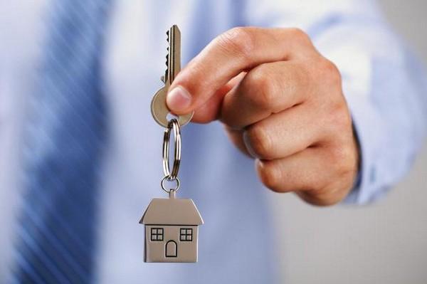 Купленное жилье должно распределяться между всеми членами семьи