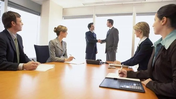 Для регулирования дел предприятия может быть назначен исполнительный орган