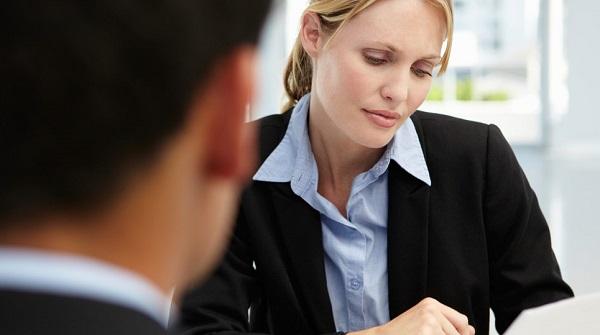 Работодатель обязан оказать материальную и другую поддержку гражданину, пострадавшему в период производственного процесса