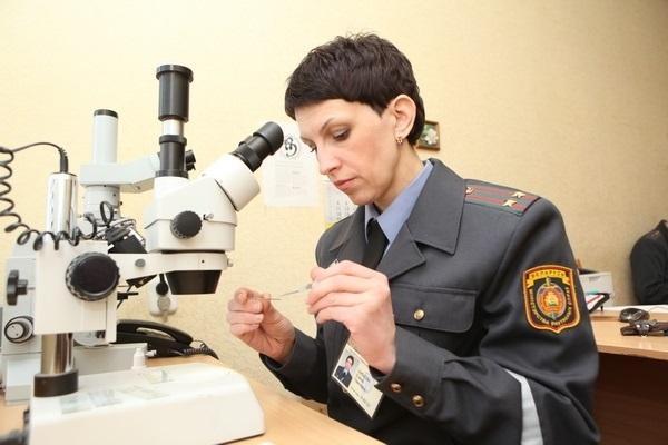 При необходимости в процессе расследования специалистами производится экспертиза документов или же других объектов, используемых при совершении правонарушения
