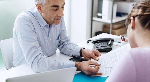 Завещание на денежные средства, помещенные на банковский счет, может быть оформлено непосредственно в банке