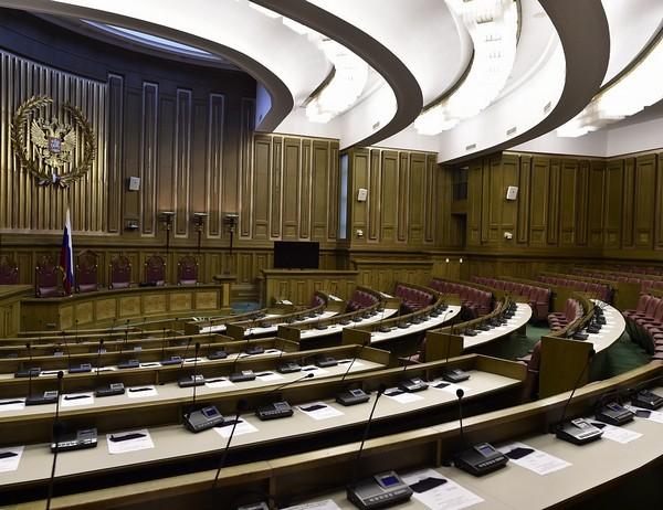 Верховный суд обязательно учитывает нормы Конституции
