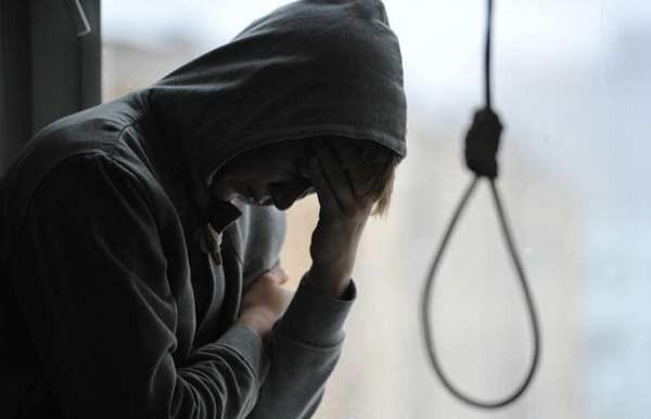 Как правило, подсудимые психологически давят на жертву, убеждая, что единственный выход из тяжелой ситуации – суицид