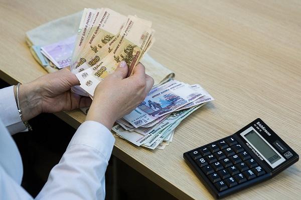 Денежные выплаты компенсаций осуществляются из средств работодателя на основании определенных статей ТК