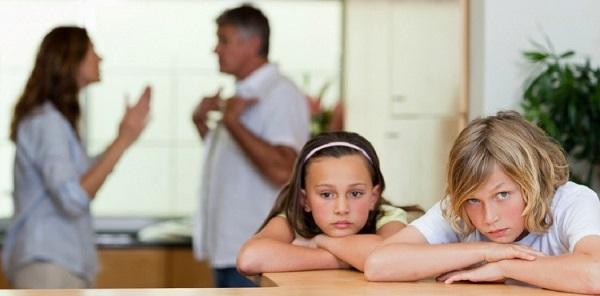 Приемные и родные дети имеют одинаковый статус в процессе развода