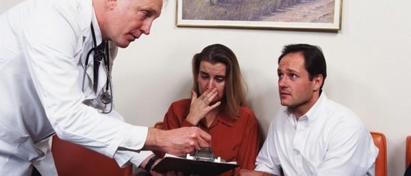 Нередко отказ от медицинского вмешательство со стороны представителей больного влечет их смерть